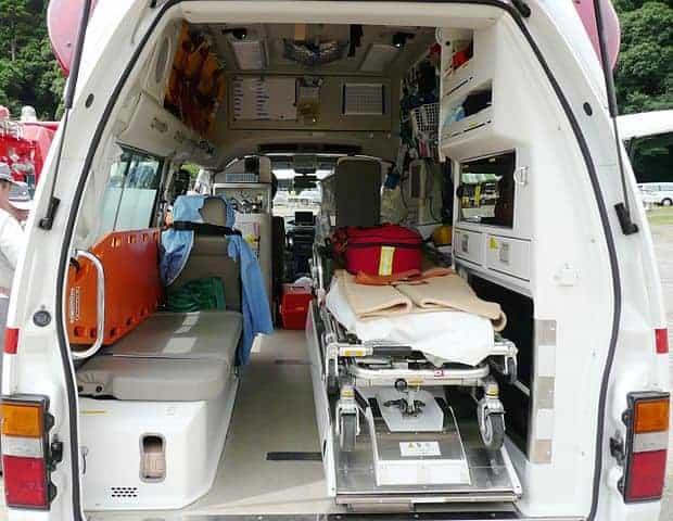620px-Ambulance-interior